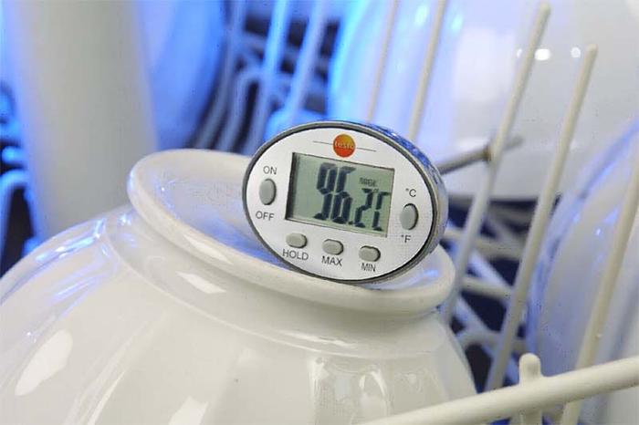 Testo su geçirmez termometre