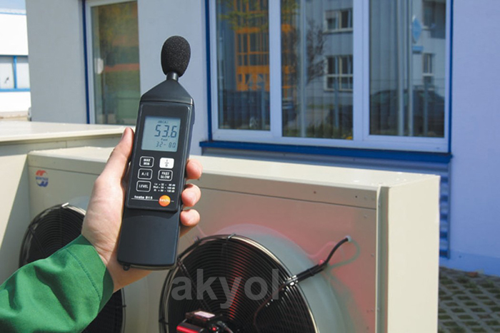 Testo 815 gürültü seviyesi ölçer